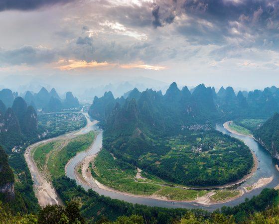 China Lijiang-River-first-bay-mountains-village-Beautiful-landscape-China_3840x2160